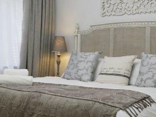 Avemore Wag n Bietjie No 1 - Stellenbosch vacation rentals