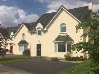 Lovely 5 bedroom House in Kenmare with Internet Access - Kenmare vacation rentals