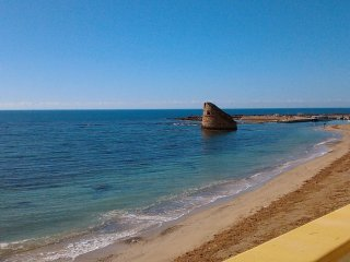 Splendida casa sulla spiaggia di Torre Pali - Torre Pali vacation rentals