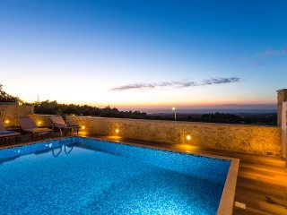 Fabulous Villa Fragkia with pool, laptop and bikes - Rethymnon vacation rentals