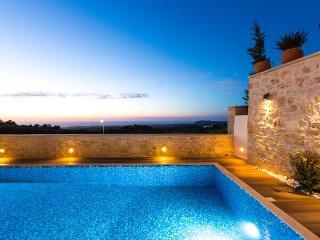 Beautiful 3 bedroom Villa in Rethymnon with A/C - Rethymnon vacation rentals