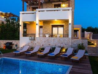 Gorgeous Villa Georgio with pool, laptop and bikes - Rethymnon vacation rentals