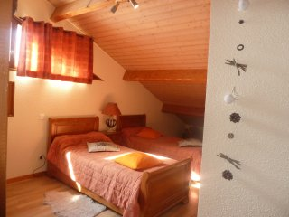 Le SIVAROL Chambre d'hotes : Ourson - Ignaux vacation rentals