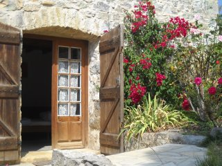 Studio with big pool, romantic grounds and views - Limoux vacation rentals