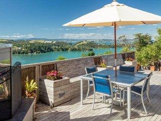 Experience peace, tranquility and stunning 360 degree views of Waiheke - Waiheke Island vacation rentals