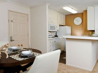 Furnished Studio Apartment at Pacific Coast Hwy & 1st St Seal Beach - Seal Beach vacation rentals