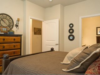 Furnished 1-Bedroom Apartment at Bagby Ave & Marketplace Dr Waco - Waco vacation rentals