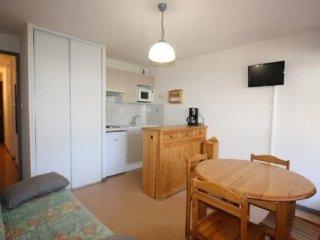 Cozy 1 bedroom Sailhan Apartment with Television - Sailhan vacation rentals