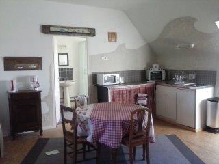 meublé cosy dans un ancien couvent - Camlez vacation rentals