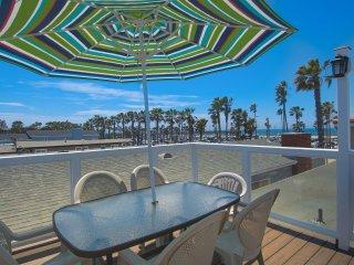 414 C East Oceanfront- Upper Rear 2 Bedroom 2 Bath - Newport Beach vacation rentals