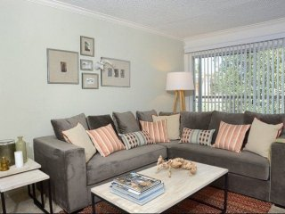 Furnished 2-Bedroom Apartment at Victory Blvd & Randi Ave Los Angeles - Bell Canyon vacation rentals