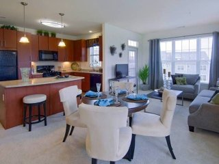 Furnished 1-Bedroom Apartment at King St & Avalon Dr Cohasset - Cohasset vacation rentals