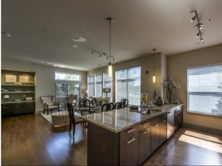 Furnished 2-Bedroom Apartment at University Ave & Dartmouth St Westwood - Westwood vacation rentals