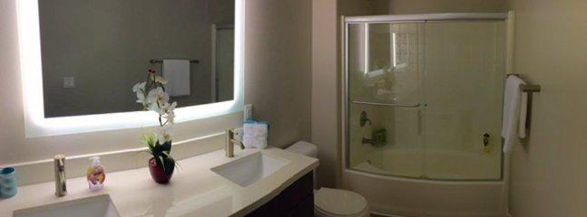 Furnished 2-Bedroom Apartment at Glendon Ave & Weyburn Ave Los Angeles - Image 1 - Los Angeles - rentals