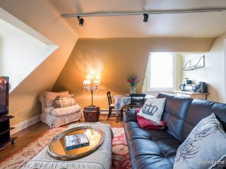 Furnished 2-Bedroom Apartment at 19th St NW & Biltmore St NW Washington - District of Columbia vacation rentals