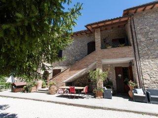 "Torretta ""Podere Caldaruccio La Pineta"""" - Perugia vacation rentals"