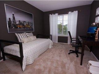 Furnished 2-Bedroom Apartment at Orrington Ct & Hadley Run Ln Schaumburg - Schaumburg vacation rentals
