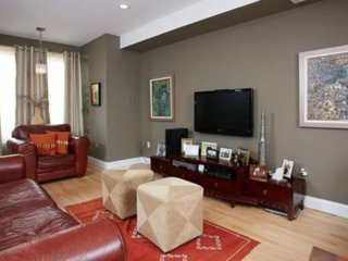 Furnished 2-Bedroom Townhouse at 13th St NE & Wylie St NE Washington - Herman vacation rentals