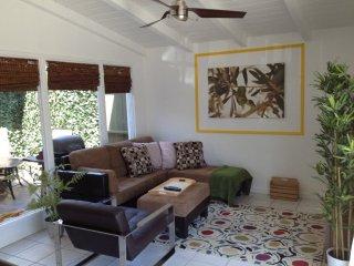 Furnished 2-Bedroom Condo at W Balboa Blvd & 14th St Newport Beach - Newport Beach vacation rentals