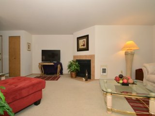 Furnished 1-Bedroom Apartment at W Casino Rd & Somerset Dr Everett - Everett vacation rentals