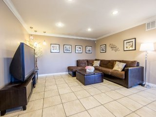 Furnished 3-Bedroom Condo at Chapman Ave & Buaro St Garden Grove - Garden Grove vacation rentals