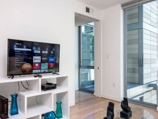Furnished 3-Bedroom Apartment at 11th St NW & H St NW Washington - Washington DC vacation rentals