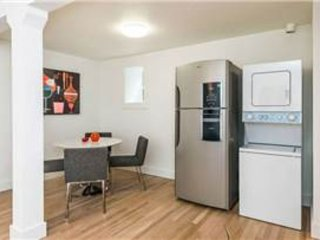 Furnished 2-Bedroom Apartment at Hudson Ave & Mendell St San Francisco - San Francisco vacation rentals