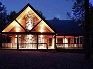 Honeymoon Luxury Cabin 1 BR 1 W/Jacuzzi - Broken Bow vacation rentals