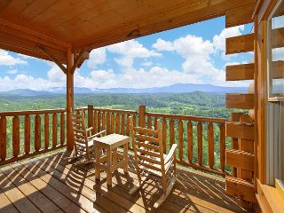 1 Bedroom Mountain Escape with Amazing Views - Sevierville vacation rentals