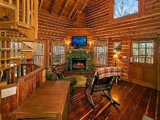 Secluded 2 Bedroom located on 3 Acres - Pool Table, Arcade, Air Hockey - Sevierville vacation rentals
