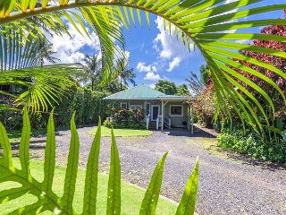 Sweetheart of Hanalei, fantastic location right on Weke! - Hanalei vacation rentals