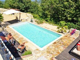 La cloche qui rit/maison 12pers - Balazuc vacation rentals