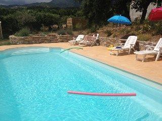 2P NEUF Indépendant Rez-de-Villa-Piscine PRIVEE chauffée - jardin arboré éclairé - Venzolasca vacation rentals