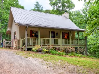 New Listing! 'Lorelai's Lair' Inviting 2BR Warne Cabin w/Fire Pit, 2 Covered Porches & Private Hot Tub - Unbeatable Location Close to John C. Campbell Folk School, Hiawassee, Brasstown & More! - Warne vacation rentals