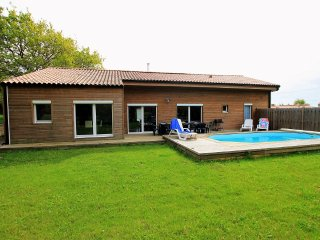 Grand gite 16 personnes piscine privée chauffée - Avrille vacation rentals