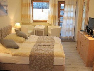 Vacation Apartment in Bad Schwartau - 2669 sqft, located in a renovated schoolhouse, courtyard available,… - Bad Schwartau vacation rentals