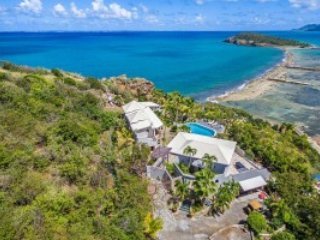 LE MAS DES SABLES... One of our favorites! Gorgeous villa with beach access... very private! - Baie Rouge vacation rentals