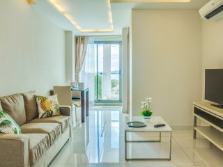 Bright 1-bedroom apartment with sea view - Pattaya vacation rentals