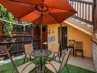 Modern Studio In The Heart of Santa Monica – Minutes From Iconic Beaches - Santa Monica vacation rentals