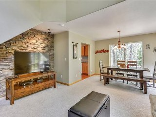 Tahoe Donner -  Bright & Sunny 2 Bedroom 2.5 Bath Town-home in lower TD - Truckee vacation rentals