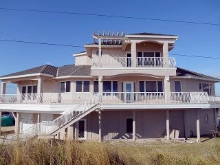 Dolphin Cay, 4 Bedroom Beach House, Direct Beach Front - Marineland vacation rentals