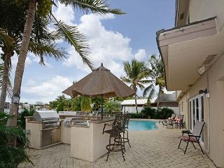Pompano Beach Tropical Waterfront Home with Space for the Whole Family - Pompano Beach vacation rentals