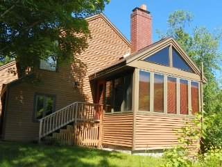 Roomy 4 bedroom condo sleeping 10 in Waterville Valley Resort - Waterville Valley vacation rentals