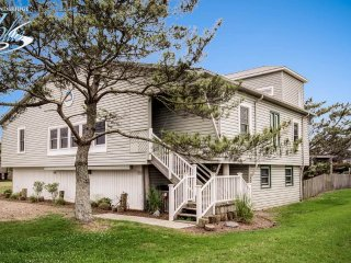 Spacious House with Internet Access and A/C - Virginia Beach vacation rentals