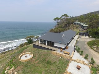 House at Hamptons on the Bay, Rocky Hills, TAS - Swansea vacation rentals