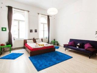 Big Romantic Ap - Budapest vacation rentals