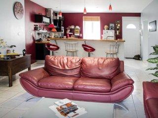 Vichy Maison au coeur de l'Auvergne - Creuzier-le-Vieux vacation rentals