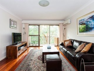 2 BR Unit with Lush Tropical Garden Outlook RAND2 - Randwick vacation rentals