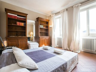 PANORAMIC SUITE CENTRAL MARKET - Florence vacation rentals