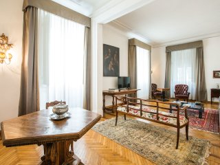 HUGE 7BD APARTMENT - Florence vacation rentals